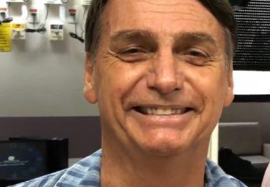 """Bolsonaro afirma: """"até o fim do mês terei alta""""."""